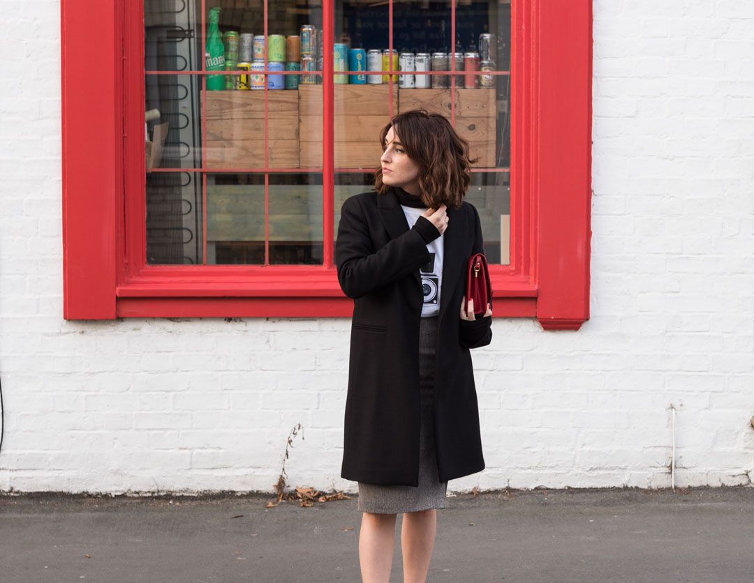 The feminist tee you need in your wardrobe | White printed tee | Teresa Pon La Mesa Drawings | #effortlesschic | #casualchic | #herringbone #pencilskirt | Classic black coat | Pointed flats | #winterfashion | #falllook | #autumnlook | Independent artists in fashion | #cottontshirt | How to wear a printed tee in a classy way | She talks Glam | Saida Antolin | #UKblogger | #kneelengthskirt | #classyoutfit | #parisianstyle | #whitetee | #T-shirt| white tee