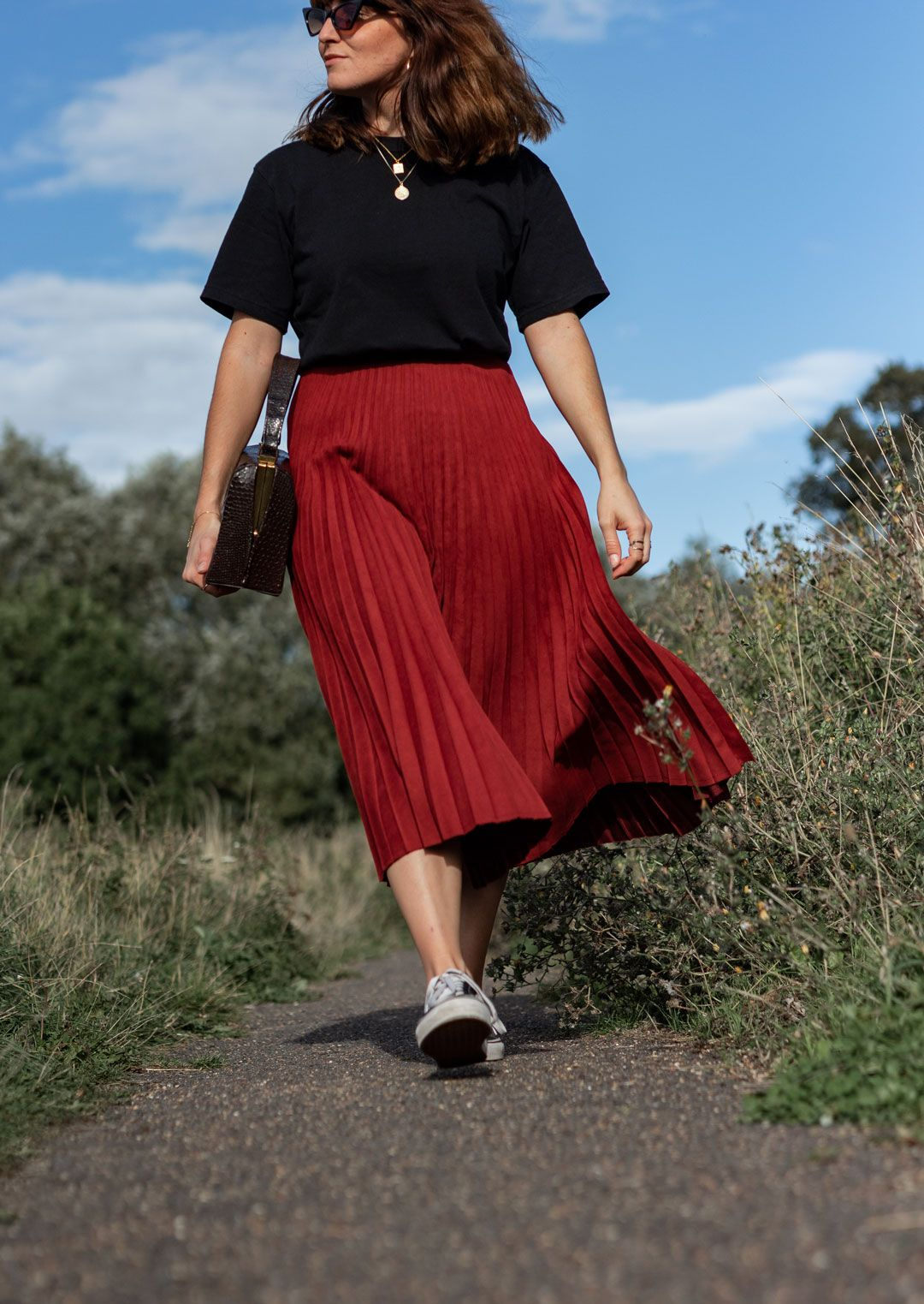 Autumn Lookbook and How to fight seasonal lethargy | #wellbeing #selfcare #selflove #wellness #mindfulness #mindfulliving |#casualstyle #streetstyle | #vans #oldskoolvans | #retrosunnies #cateyesunglasses #redsunglasses | #pleatedskirt #redskirt #midiskirt #falllook | #autumnlook | Saida Antolín #blacktee # cottontee #cottontshirt #boxytee #tshirt #casualchic #cincostore #cincopeople | #cambridgeblogger #cambridgefashion | How to transition your wardrobe to autumn