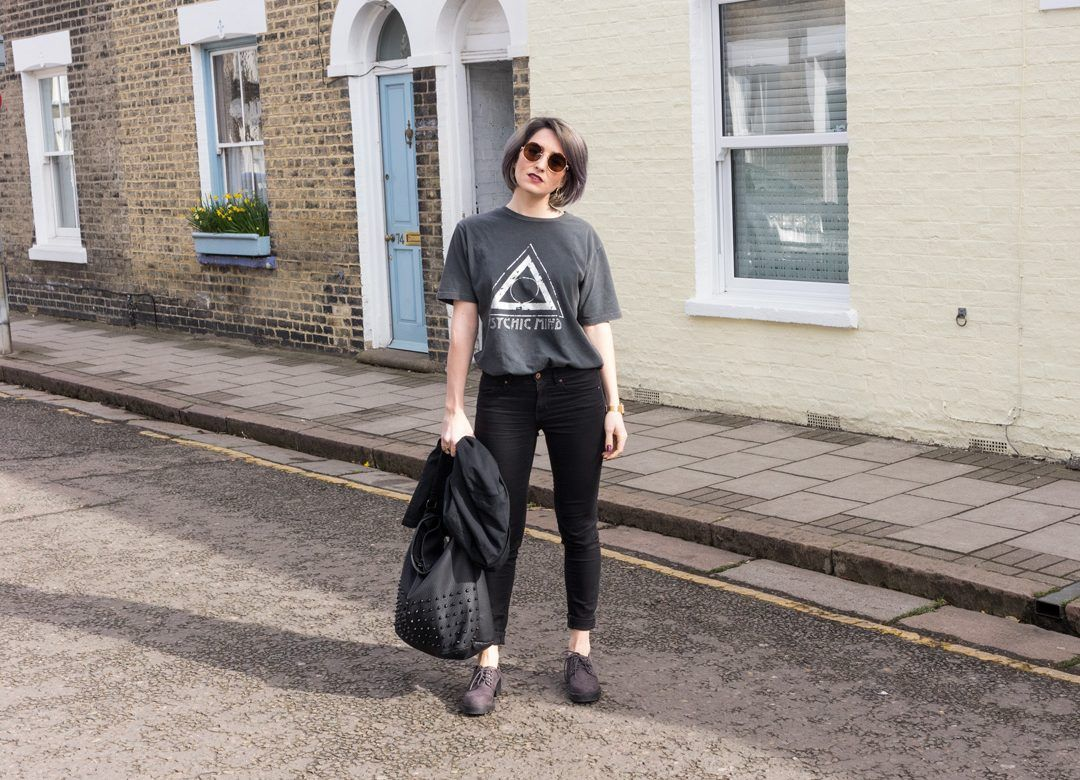 She talks Glam | All Black Outfit | Casual | Grunge